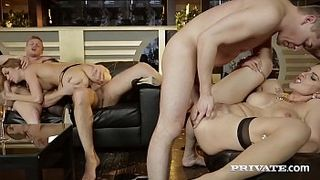 Порно видео групповой брутальный секс