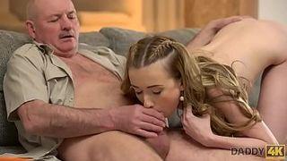 Порно Несколько Стариков Молодую